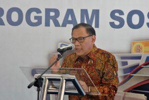 Pak Agus Martowardojo, Gubernur Bank Indonesia saat peresmian perpustakaan BI Corner di STMIK Balikpapan, (10/8). Foto: dok. pribadi