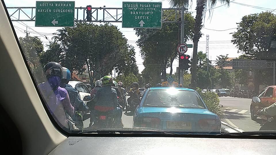 Pengalaman Naik Taksi Uber di Surabaya