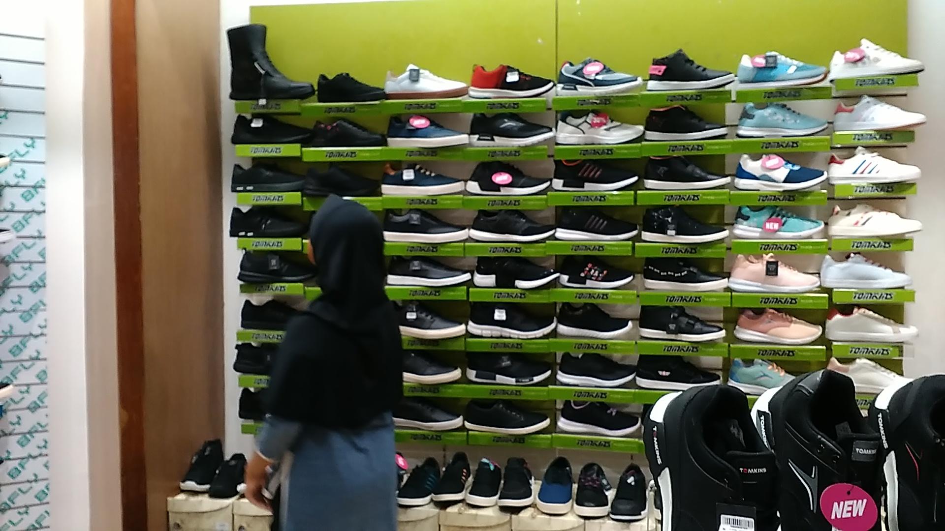 Akhirnya, Membeli Sepatu Baru