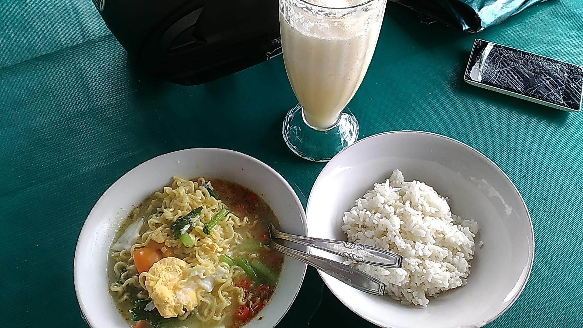 Makan Indomie Seporsi di Warung Digetok Mahal
