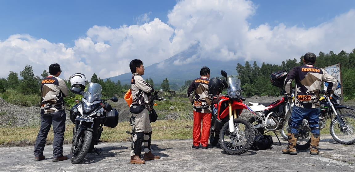 Touring Core of The Core WRE 94 di sekitar Ketep Pass Gunung Merapi, Sabtu (16/2). Foto: rahmat_sda