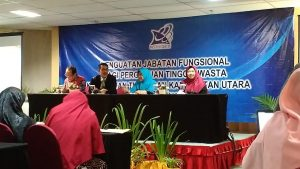 Narasumber penguatan jabatan fungsional LLDIKTI XI Kalimantan di Hotel Aston Balikpapan, Kamis (26/9). Foto: dok. pribadi