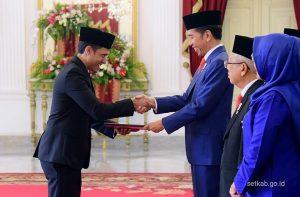"Nadiem Makarim menerima ""pesan"" Presiden Joko Widodo dalam Kabinet Indonesia Maju, Rabu (23/10). Foto. setkab.go.id"
