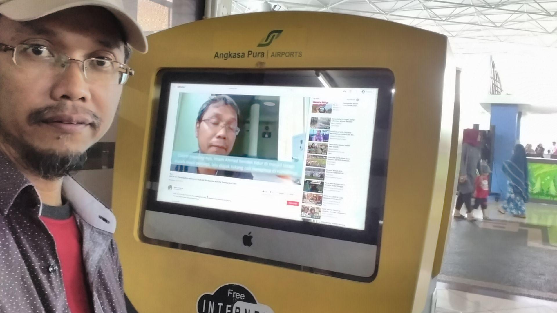 Internet Corner Bandara Internasional Juanda Surabaya. Foto: dok. pribadi