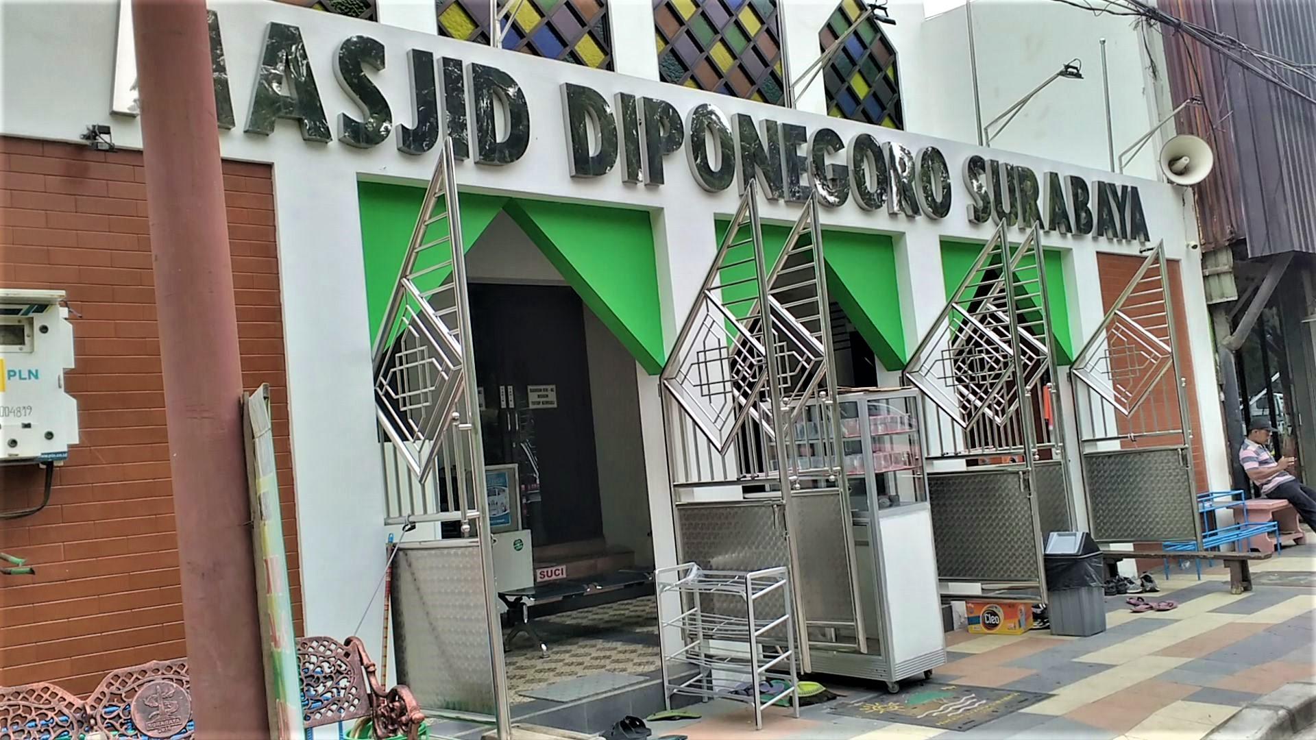 Masjid Diponegoro Surabaya. Foto: dok. pribadi